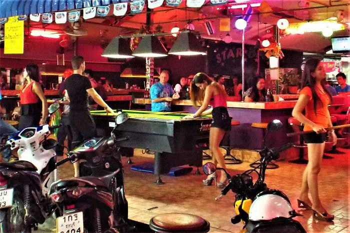 Pattaya hookers playing pool