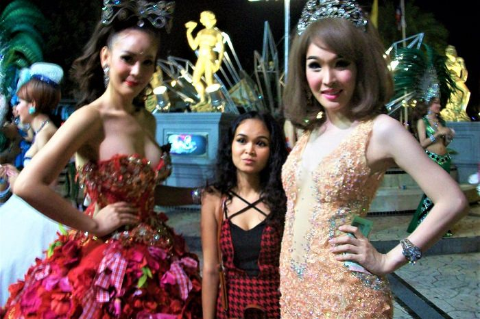 Pattaya ladyboys with a female
