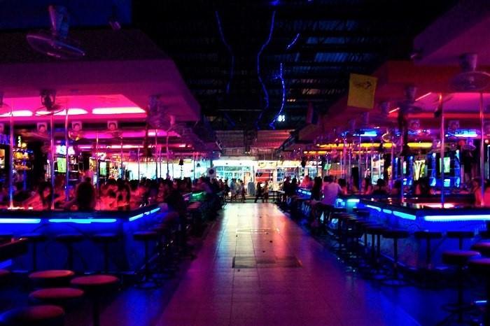 Simon bar complex Pattaya