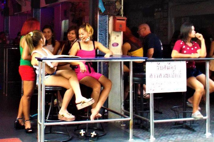Soi 6 bar girls