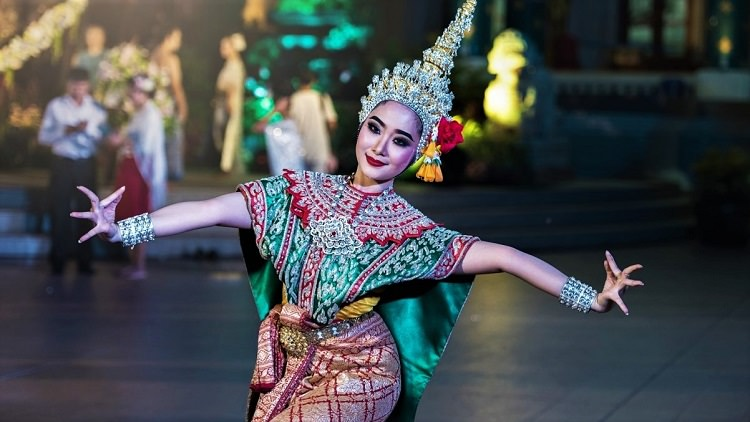 Traditional Thai Lady