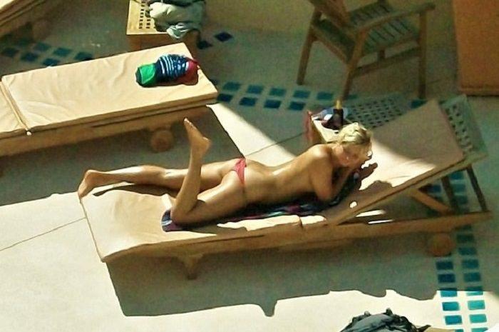 Thailand sunbathing