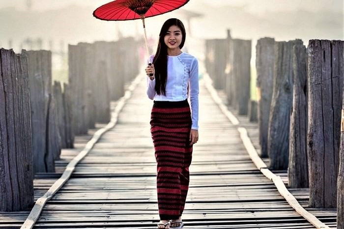 A Traditional Thai girl
