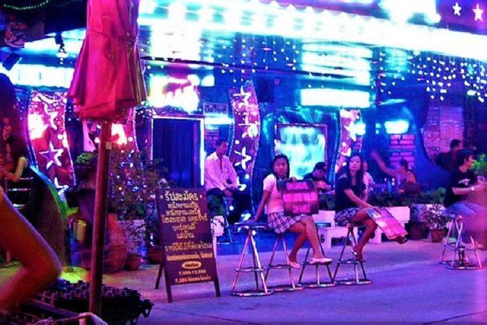 Bangkok bars and girls