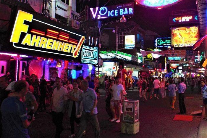 Walking Street gogo bars