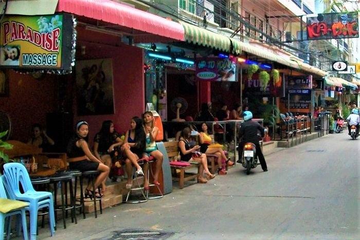 Soi Honey, Pattaya