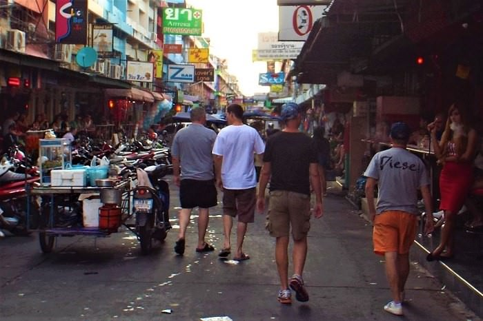 Pattaya Soi 6 customers