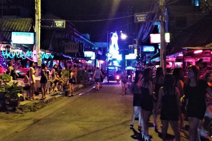 Nightlife on Soi 7 Pattaya