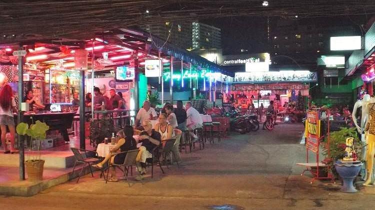 Soi Buakhao beer bars